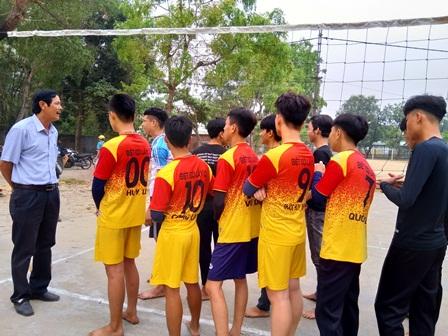 Đoàn trường THPT Thái Phiên tổ chức thành công Giải bóng chuyền nam năm học 2018 - 2019