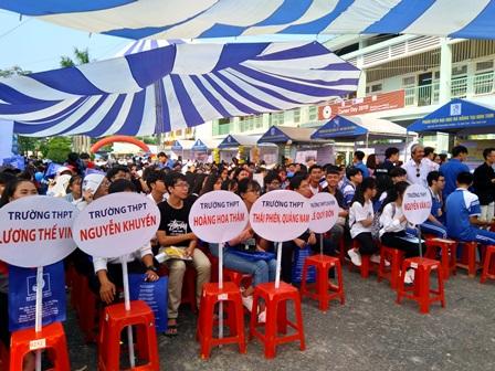 Đoàn trường THPT Thái Phiên tham gia Ngày hội tuyển sinh - hướng nghiệp năm 2019